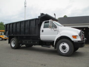 2011 Ford F650