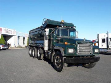 1997 MACK RD688S